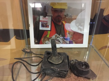 Comandament d'Atari trobat al desert